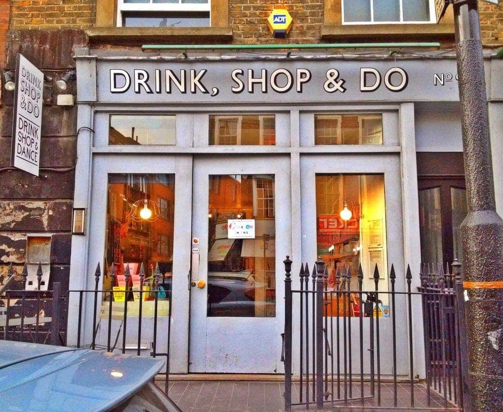 Drink, Shop & Do in Kings Cross is a quirky restaurant/cafe/bar that does unlimited bagels and prosecco or bloody mary's on a Sunday! You can also play old skool boardgames, drink cocktails and eat cake!