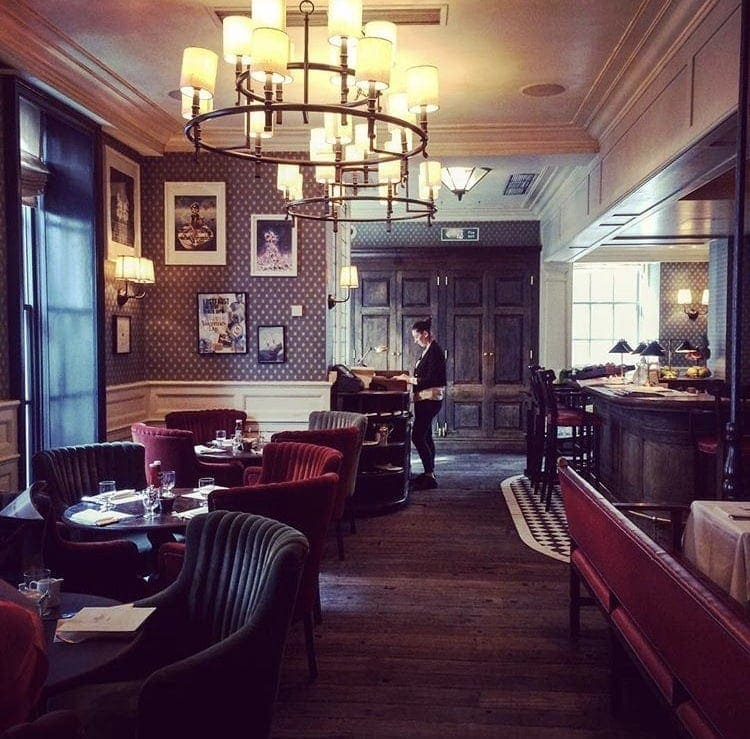10 places to eat in London for a special occasion - Great ideas and tips on doing so without breaking the bank. Head to www.notsobasiclondon.com