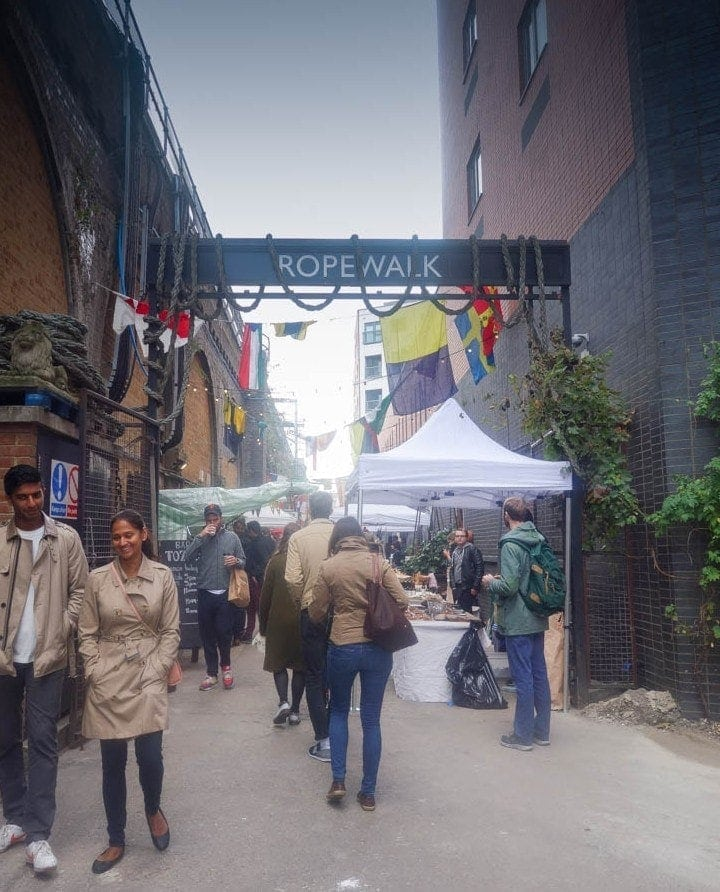 This is your little guide to Maltby Street Market - a little passage in South East London buzzing with every food you could possibly ask for, and enough alcohol to give you a proper good headache the next day. More on notsobasiclondon.com