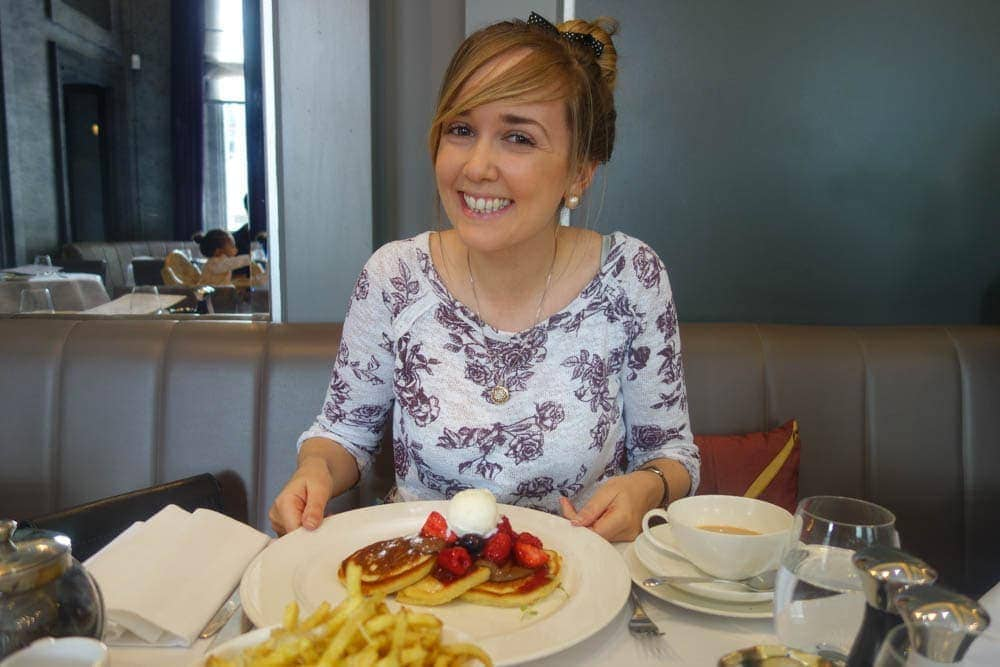 nutella-and-berries-buttermilk-pancakes-diy-pancakes-at-christophers-restaurant-covent-garden-4