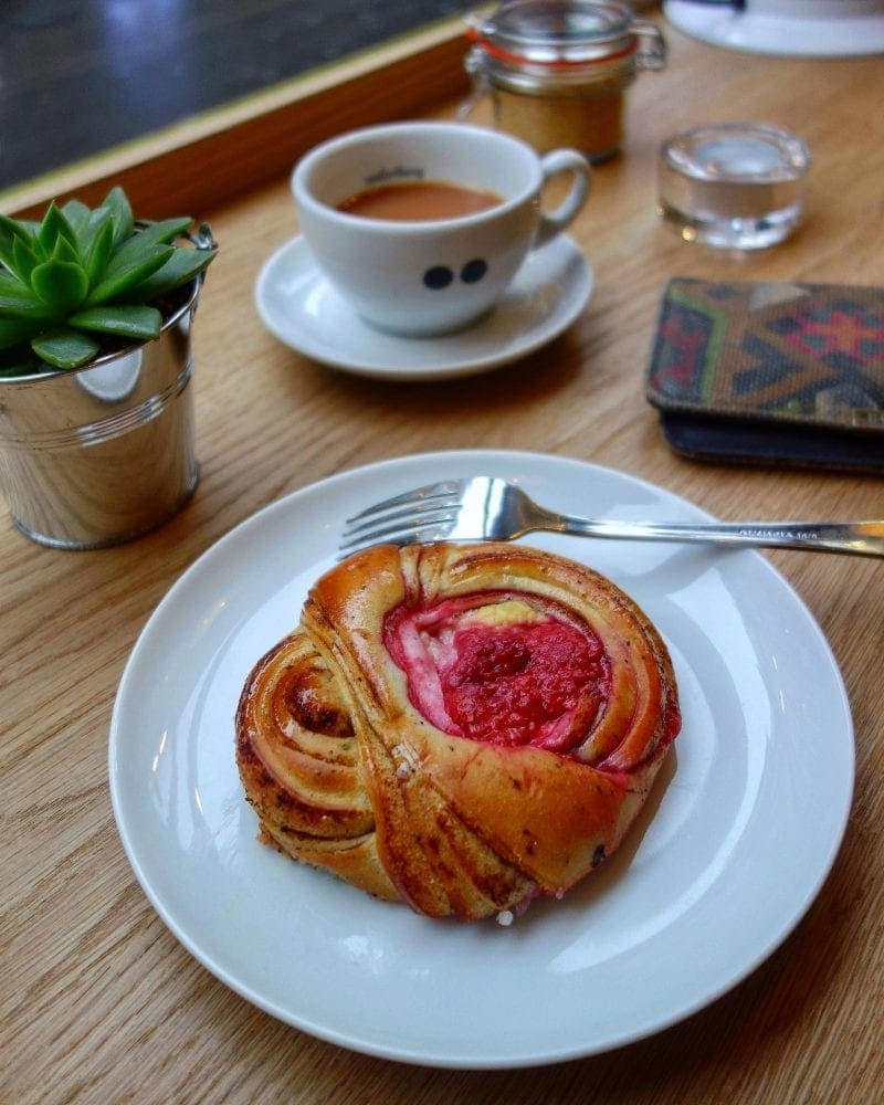 London's Best Cinnamon Buns (Image of a cinnamon bun from Soderberg)
