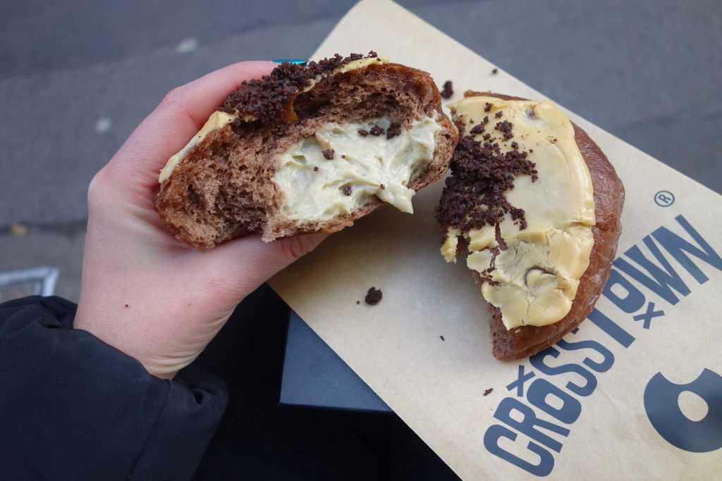 Crosstown Doughnuts : Late Night Dessert Spots in London