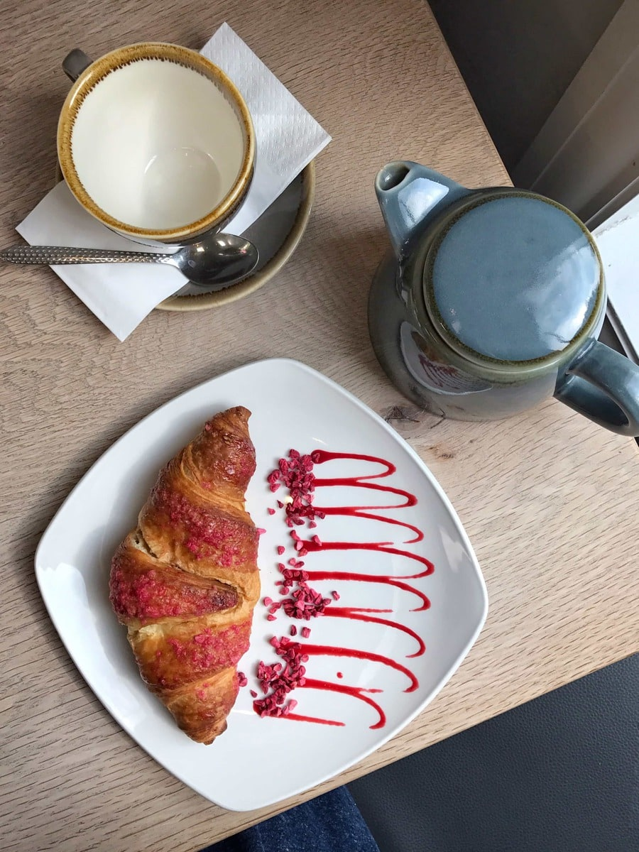 Raspberry Croissant, Chateux Dessert: June's London Food Finds 2018 - Pick's from London's Best Restaurants