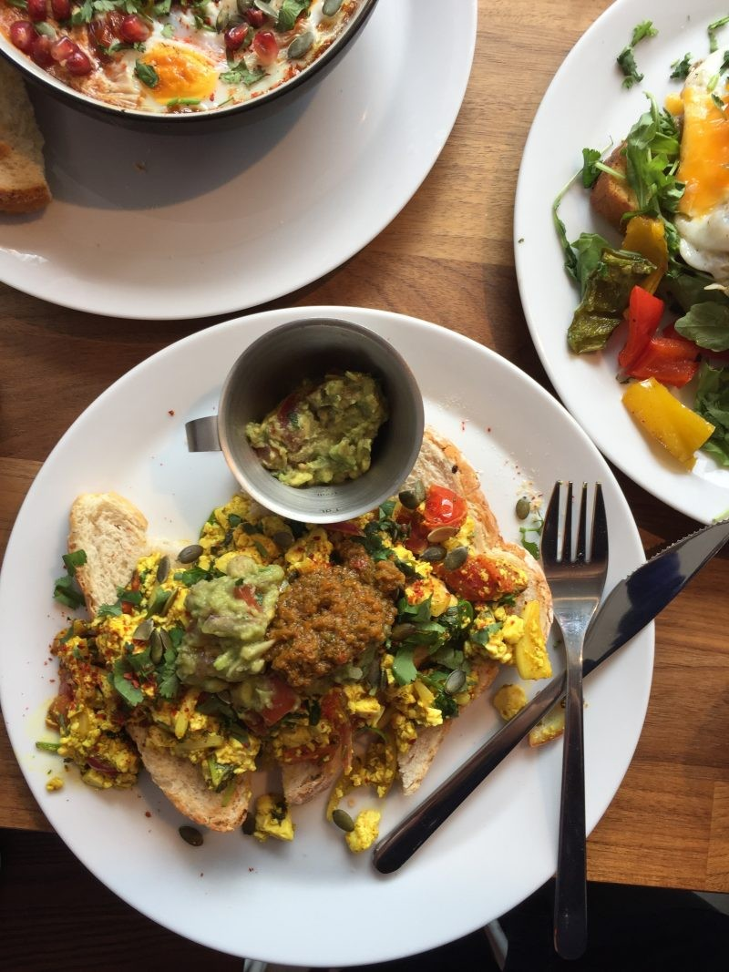 90 Degree Melt Tofu Scramble: Vegan Places In London a Non-Vegan Will Love!