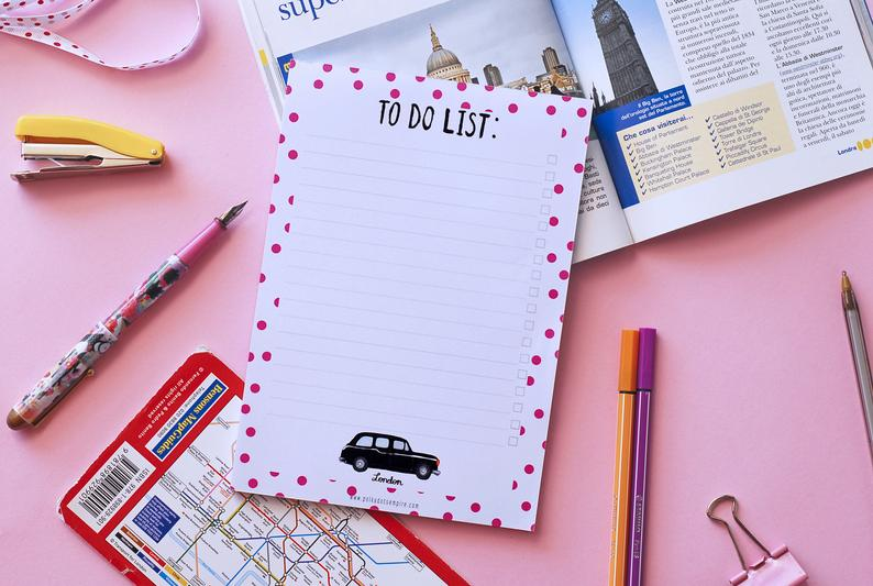 32 London Themed Gift Ideas (Picture of a London Notepad)