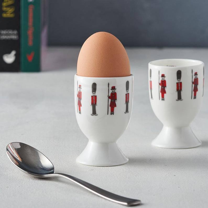 32 London Themed Gift Ideas (Picture of London egg cup)