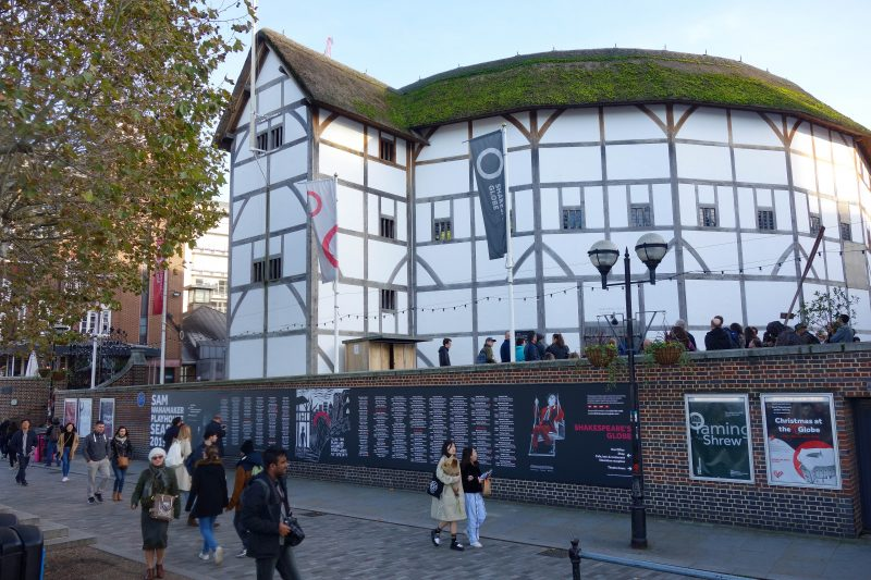 FREE Sightseeing Walking Tour of London (Photo of Shakespeare's Globe Theatre)