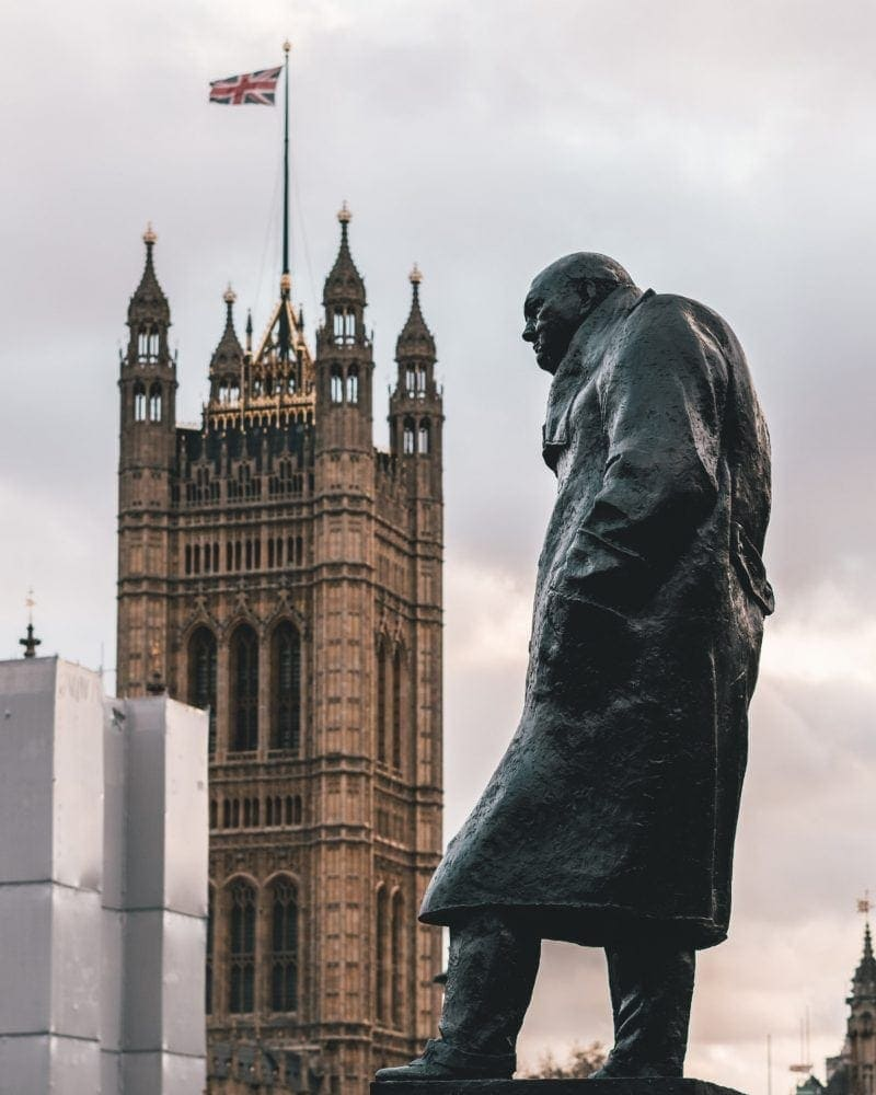 Churchill Statue - Free Sightseeing Walking Tour of London