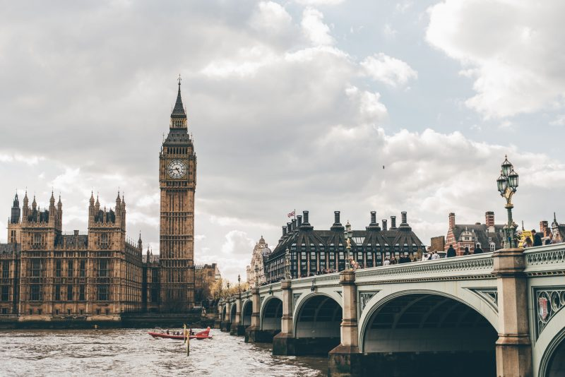 FREE Sightseeing Walking Tour of London (Photo of Westminster Bridge)