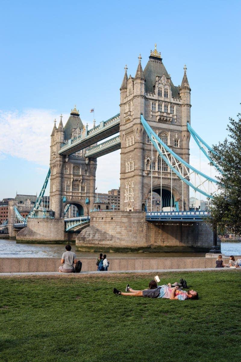 FREE Sightseeing Walking Tour of London (Photo of Tower Bridge)