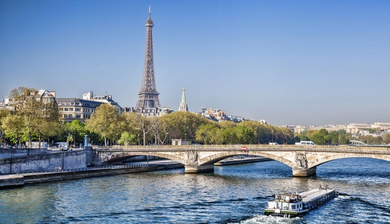 Easy Day Trips From London You Must Do! (Picture of the Eiffel Tower)