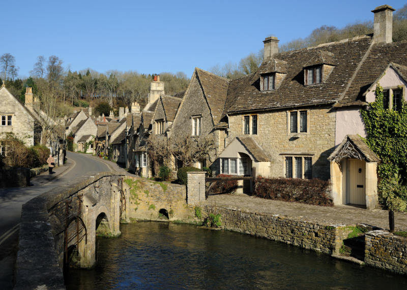 Easy Day Trips From London You Must Do! (Picture of Castle Comb Cotswolds)