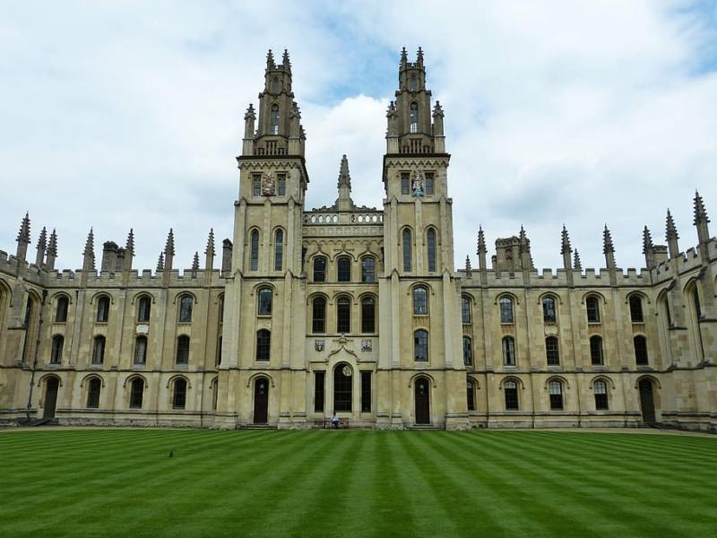 Easy Day Trips From London You Must Do! (Picture of Oxford University)
