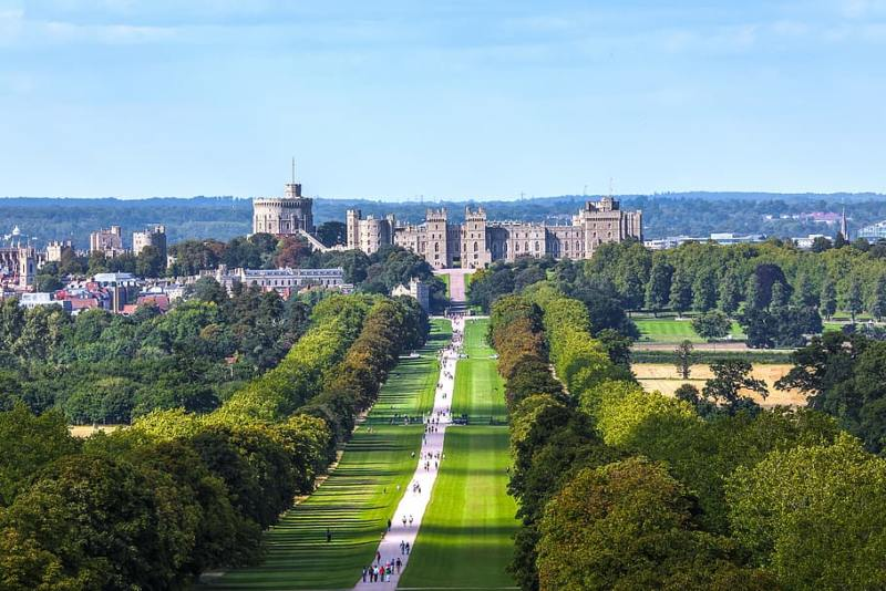 Easy Day Trips From London You Must Do! (Picture of Windsor Castle)