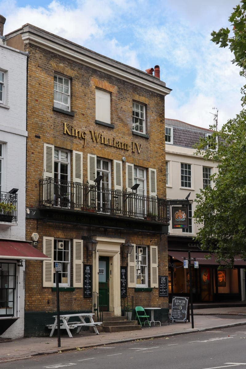 Pretty Pub in Hampstead - Self Guided Walking Tour of Hampstead