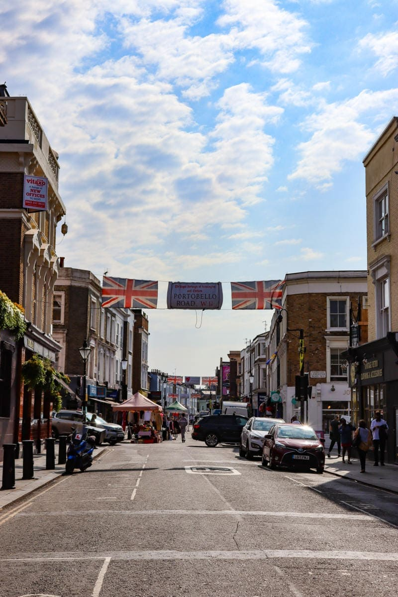 Self Guided London Walking Tour Of Notting Hill (Image of Portobello Road Market)