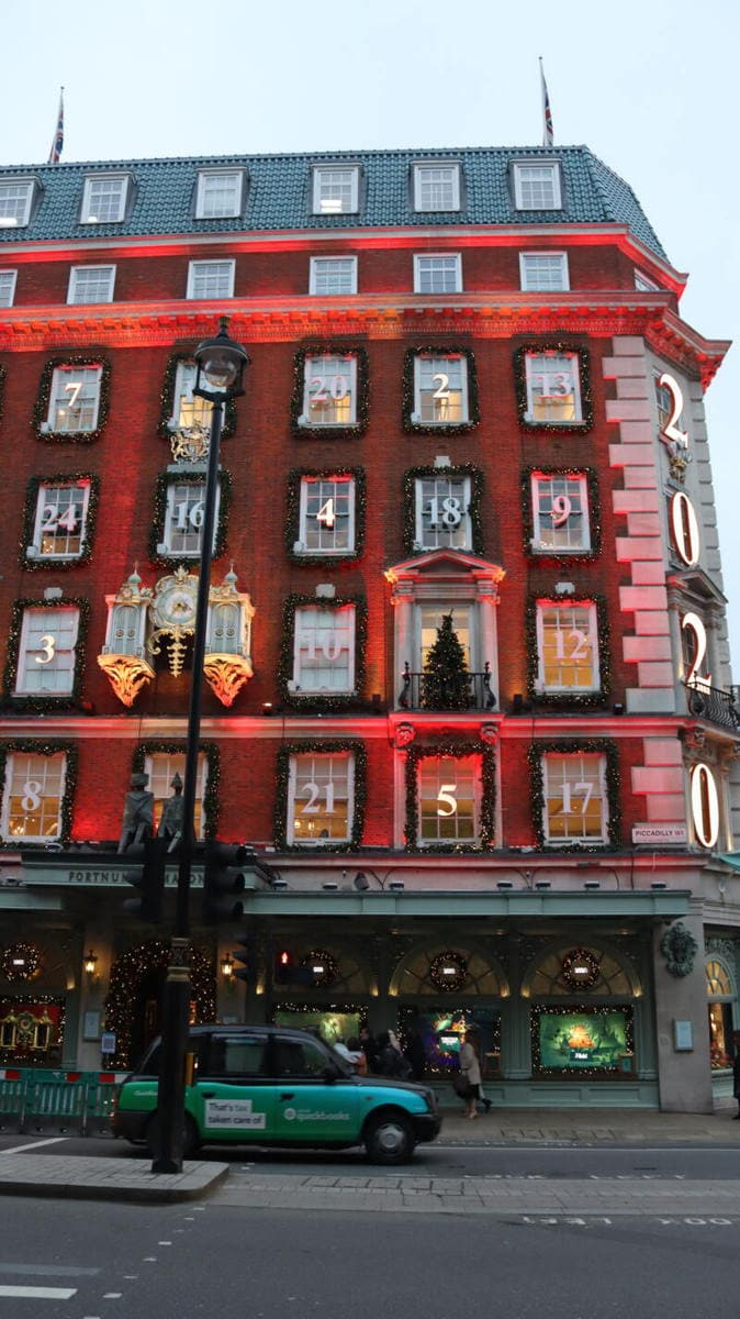Fortnum & Mason - London's Most Spectacular Christmas Lights