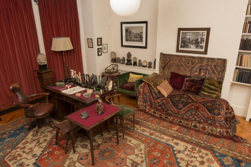 26 Unusual Museums To Visit in London (Image of The Freud Museum)