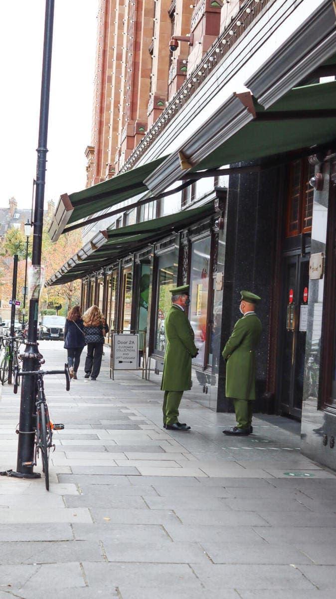 London's Best Places To Shop (Image of Harrods)